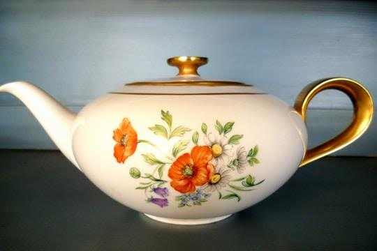 bigelow tea rose tea pot
