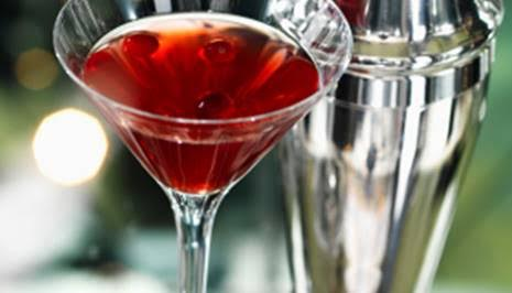 bigelow-tea-pomegranate-tea-martini